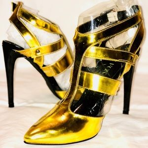 electric yellow strappy pump